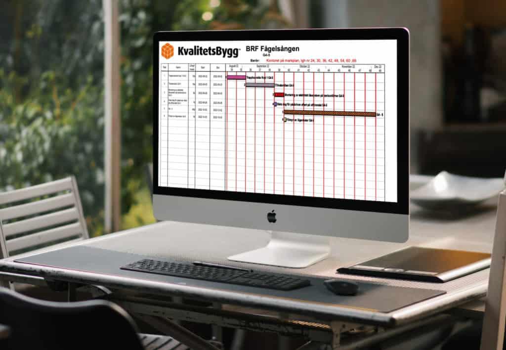 Dokument med tidplaner på datorskärm